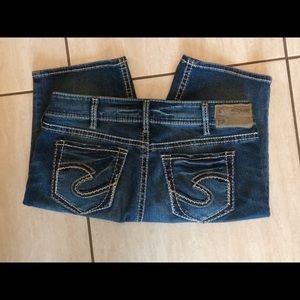 Silver Jeans Suki Mid Bermuda. 31/L 11, EUC